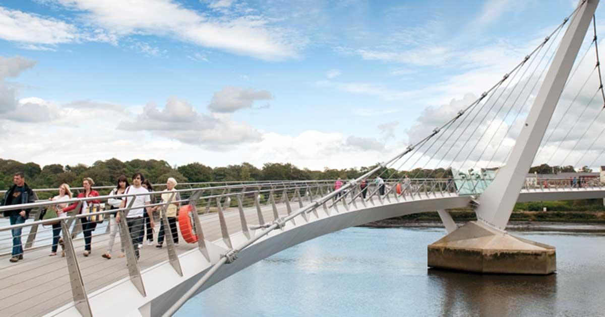 Derry bridge - Premium Day Tour from Dublin